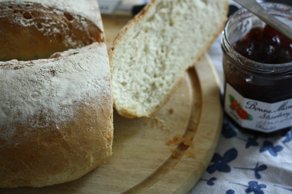Farmhouse Loaf, a basic white bread loaf.